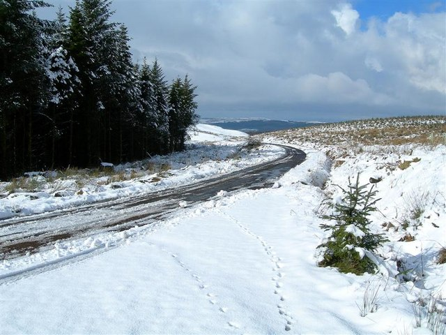 A_Slippery_Road_-_geograph.org.uk_-_1190564